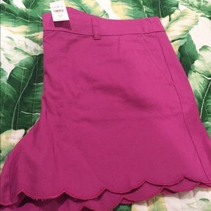 Magenta scalloped shorts